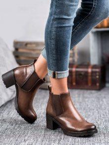 Výborné dámské  kotníčkové boty hnědé na širokém podpatku 36