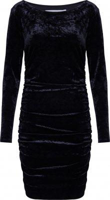 IVYREVEL Pouzdrové šaty černá
