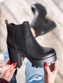 Stylové dámské  kotníčkové boty černé na širokém podpatku 38