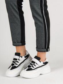 Jedinečné bílé dámské  tenisky bez podpatku 38