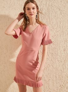 Růžové šaty Trendyol - S