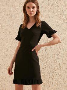 Trendyol černé letní šaty s volánovými rukávy - S