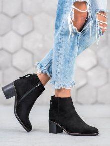 Krásné  kotníčkové boty dámské černé na širokém podpatku 38