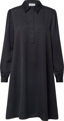 modström Šaty černá