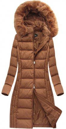 Dlouhá dámská zimní bunda v karamelové barvě s kapucí (7753) hnědá S (36)