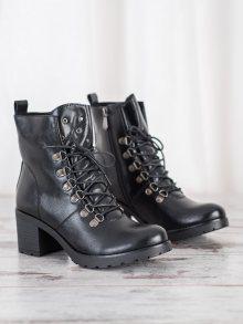 Jedinečné  kotníčkové boty černé dámské na širokém podpatku 36