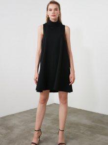Černé šaty s rolákem Trendyol - XS