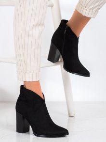 Trendy dámské černé  kotníčkové boty na širokém podpatku 37