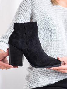Výborné černé dámské  kotníčkové boty na širokém podpatku 36