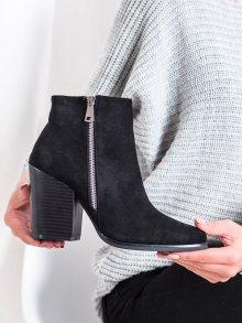 Pohodlné  kotníčkové boty černé dámské na širokém podpatku 36