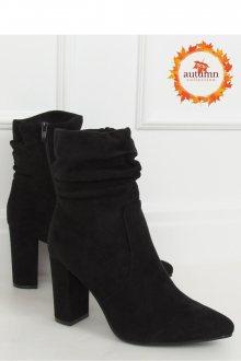 Boty na podpatku  model 148694 Inello  36