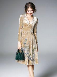 Ferraga Dámské sametové šaty QE307 Beige