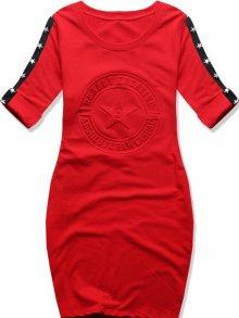 Červené šaty s hvězdami