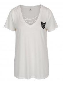 Krémové tričko s pásky v dekoltu a nášivkou ONLY Mili