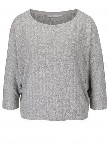 Světle šedý volný krátký žíhaný svetr s 3/4 netopýřími rukávy ONLY Ida