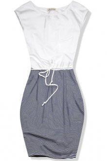 Bílo-modré šaty v námořnickém stylu