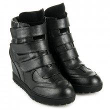 Klasické černé třptivé sneakery na suchý zip